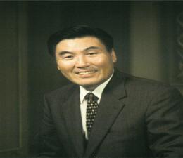Dr. Chong Won Kim